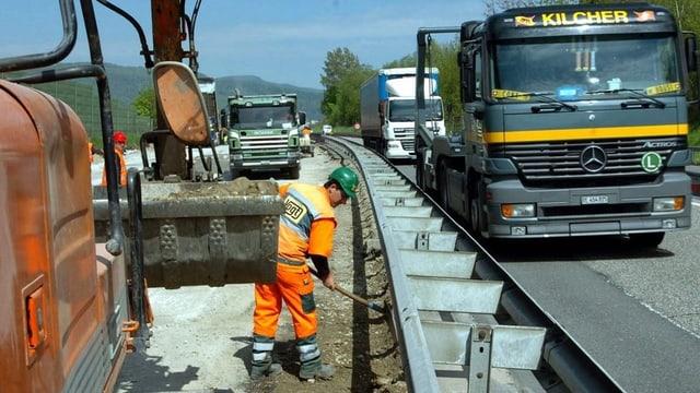 Bild aufgenommen während den Bauarbeiten auf der A1 zwischen Härkingen und Wiggertal auf der A1.