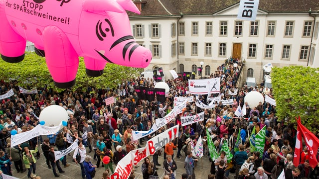 Demonstration von Lehrern