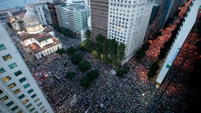 Luftsicht der Demonstration in Rio