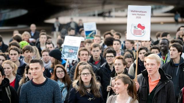 Am 10. März zeigten Studenten der ETH Lausanne ihre Sorgen wegen des Ausschlusses aus Horizon 2020 und Erasmus+.