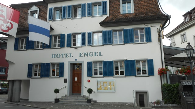 Video «Hotel Engel in Stans - Tag 4 (Siegerbeiz)» abspielen