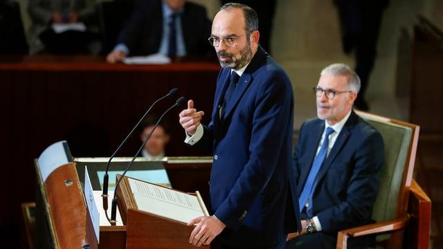 Philippe spricht im Parlament