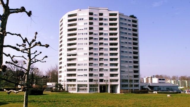 Hochhaus im Gebiet Schönbühl in der Stadt Luzern.