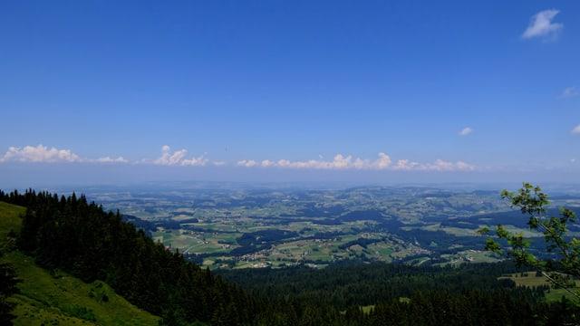 Blick von den Voralpen ins Mittelland.
