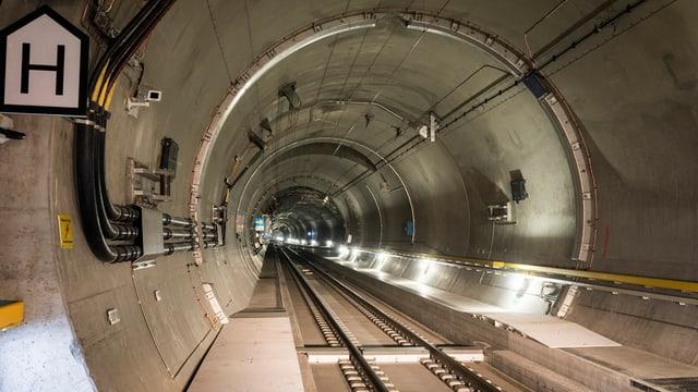 Blick in eine Tunnelröhre.