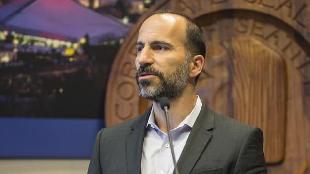 Der neue Uber-Chef Dara Khosrowshahi bei einer Medienkonferenz am 2. April 2015 in Seattle, USA, damals noch CEO des Online-Reisebüros Expedia.