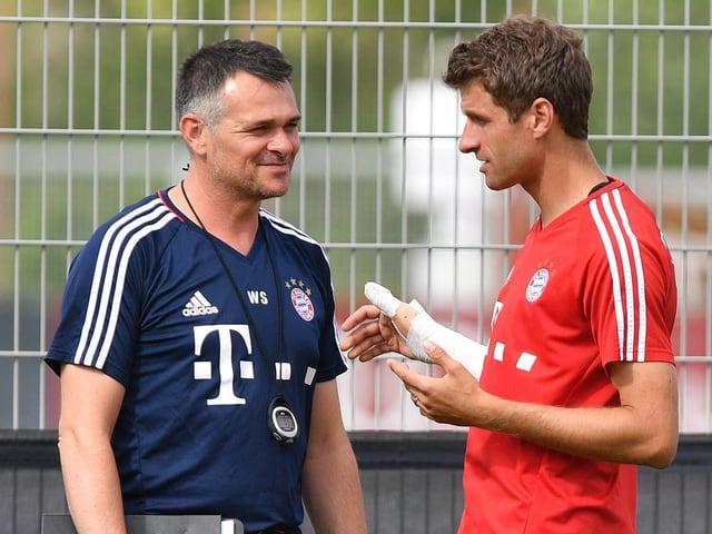 Sagnol im Gespräch mit Thomas Müller.