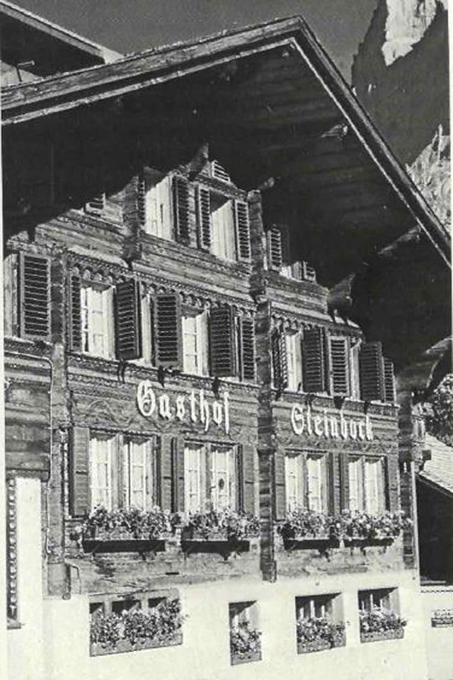 Altes Haus im Berner Bauernhaus-Stil.