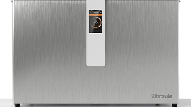 Der Brewie-Brauautomat: Eine grosse Kiste aus Chromstahl mit einem kleinen Display vorne in der Mitte.