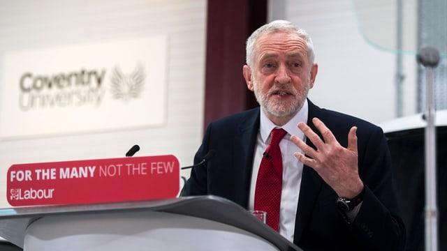 Corbyn spricht in Coventry.