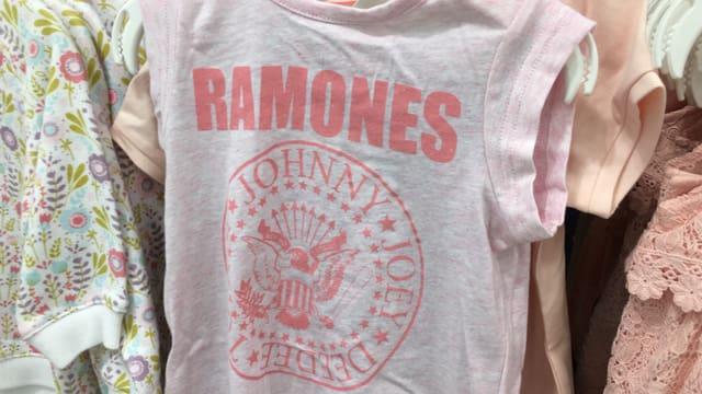 Ramones-Shirt in der Babyabteilung von H&M