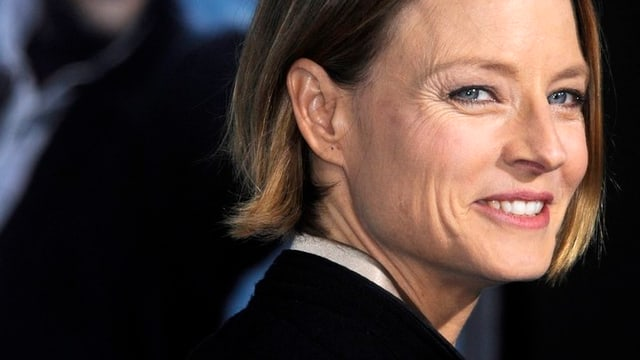 Die Schauspielerin Jodie Foto lächelt in die Kamera.