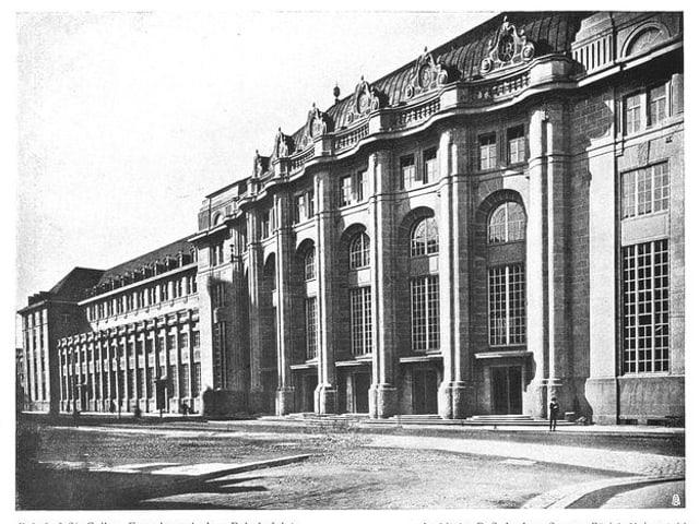 Altes Bild des St. Galler Hauptgebäudes