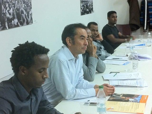 Eritreer mit ihrem Kursleiter Jorge Montoya-Romani.