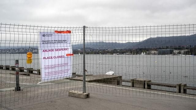 Geschlossene Seepromenade in Zürich.