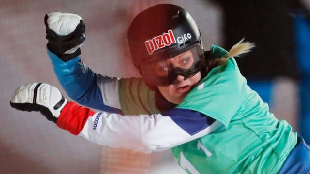 Julie Zogg tar il slalom parallel a la cuppa mundiala a Moscau.