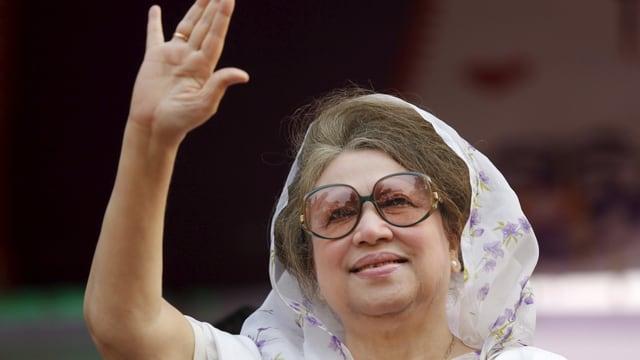 Die Führerin der grossen Oppositionspartei, Khaleda Zia, ist im Gefängnis.