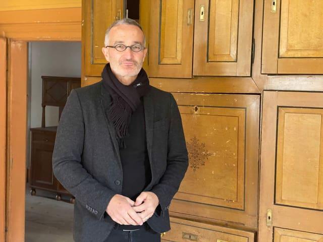 Il referent e docent da la Scola auta spezialisada (FH Grischun) Robert Albertin ha realistà ensemen cun ses students sis studis davart l'avegnir da la chasa Laim.