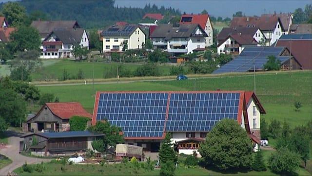 Video «Energiewende: Ein Dorf im Schwarzwald als Vorbild (5/5)» abspielen