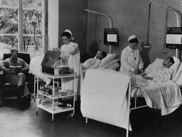 Blick in ein Krankenzimmer des Bürgerspitals