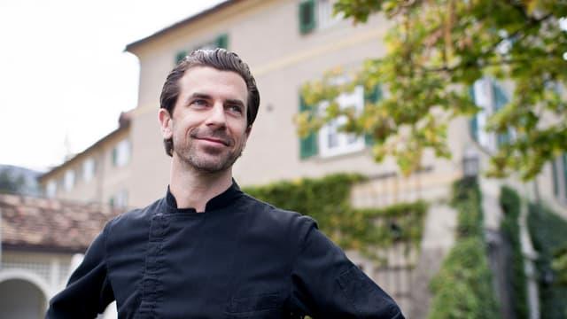 Andreas Caminada avant ses restaurant a Farschno