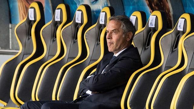 Marcel Koller alleine auf der Trainerbank