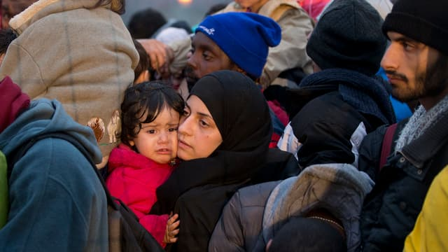 Flüchtlinge im slowenischen  Sentilj am 29.10.2015.