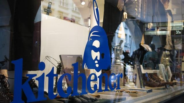 Blick in die Schaufensterauslagen des Berner Concept-Stores «Kitchener».