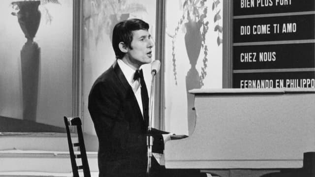 Der Sänger, Pianist und Komponist Udo Jürgens tritt am 5. Maerz 1966 in Luxemburg für Österreich mit dem Lied «Mercie, Cherie» am Grand Prix Eurovision de la Chanson auf und gewinnt.