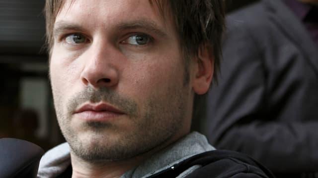 Wanja Mues spielt Nico Schreiber.