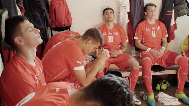 Beten vor dem Match? Schweizer Jungstars in der SRF-Serie «Morgen sind wir Champions».