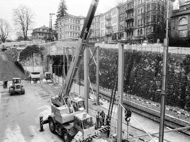Die S-Bahn-Baustelle Bahnhof Stadelhofen in Zürich, aufgenommen am 6. März 1985.