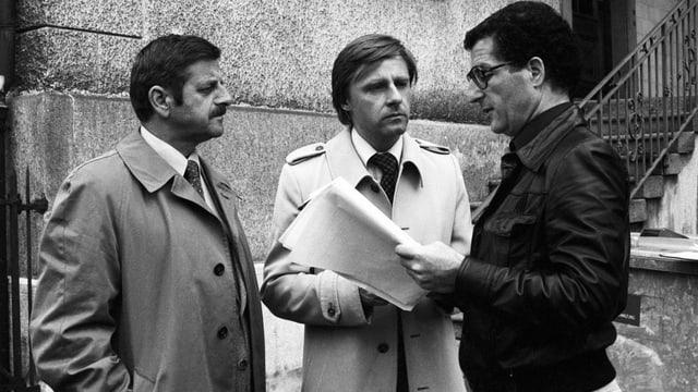 Rolf Lyssy (rechts) 1978 beim Dreh von «Die Schweizermacher» mit Walo Lüönd (links) und Emil Steinberger.