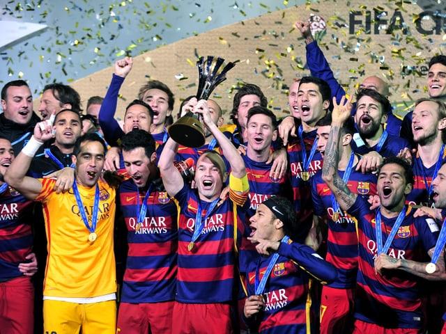 Barcelonas Spieler feiern den Sieg an der Klub-WM