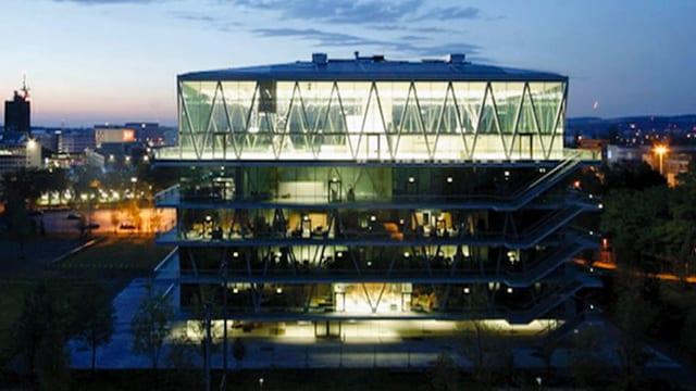 Video «Die Schweiz bauen: Schulhaus Leutschenbach (3)» abspielen