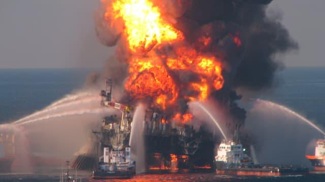 Brennende Bohrplattform  «Deepwater Horizon».