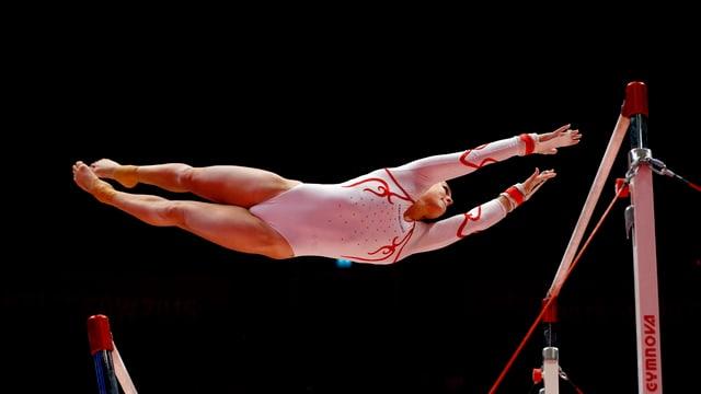 La gimnasta svizra Giulia Steingruber durant ina concurrenza a Glasgow l'onn 2015