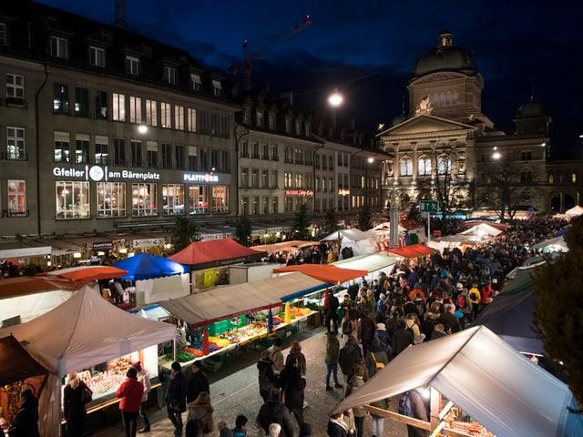 Blick auf den Bärenplatz in Bern