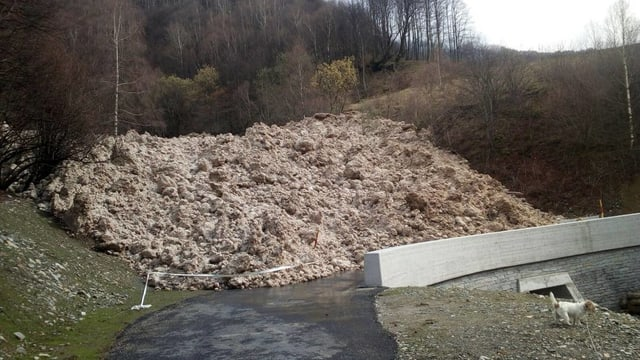 ina lavina tschuffa da var 30 meters ladezza.