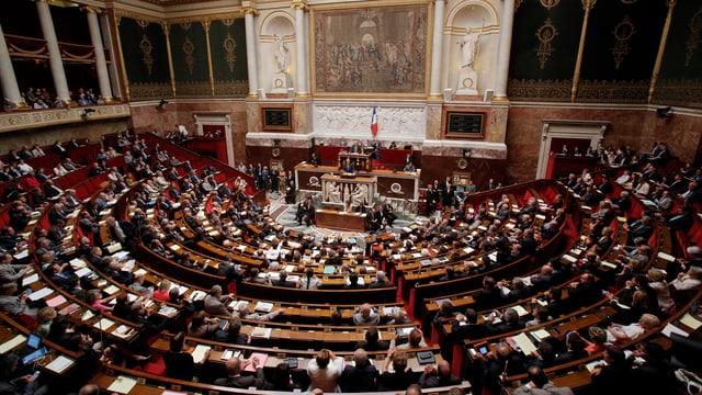 Eine Aufnahme des französischen Parlaments.