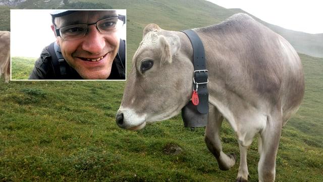 Das Foto zeigt eine Kuh und Digitalredaktor Reto Widmer. Ein Foto, gleichzeitig aufgenommen mit beiden Kameras des Handy. Automatisch zusammengefügt zu einem Bild.