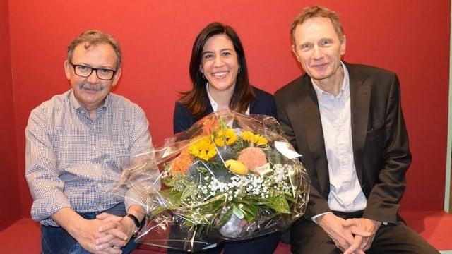 Il directur dal MAZ, Diego Yanez, sia successura Martina Fehr ed il commember dal cussegl da fundaziun Res Strehle.