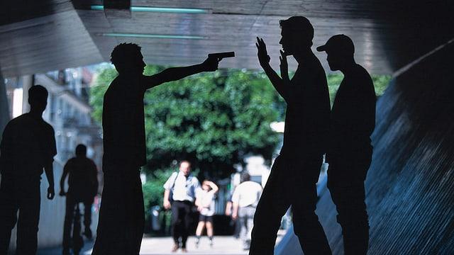Schulleitungen im Kanton Bern sollen über kriminelle Jugendliche Bescheid wissen.