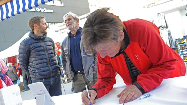David Flepp animescha persunas rumantschas da s'inscriver en il cudesch.