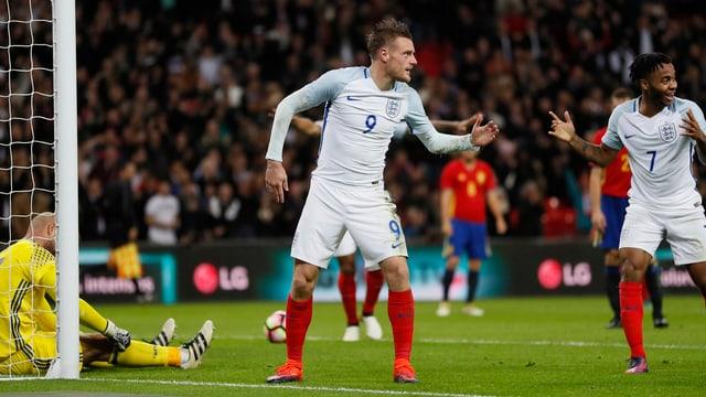 Jamie Vardy und seine Teamkollegen zelebrieren das 2:0 gegen Spanien mit der «Mannequin-Challenge».