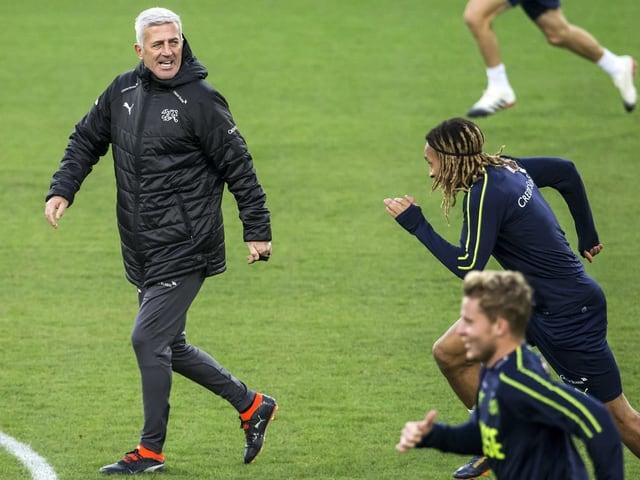 Petkovic im Training mit Spielern