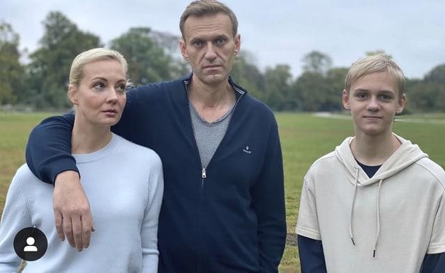 Nawalny, seine Frau Yulia und Sohn Zahar
