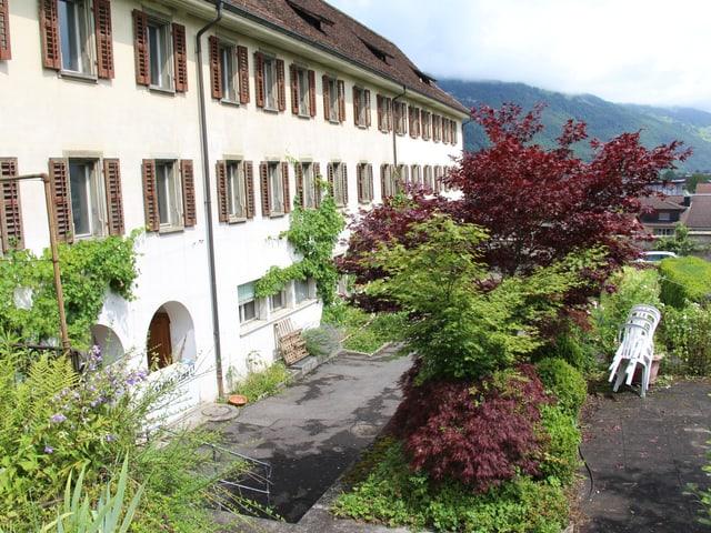 Das Kloster Stans von aussen.