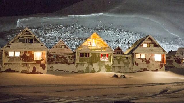 Häuser im norwegischen Longyearbyen, wo es während 81 Tagen keine Sonne gibt.