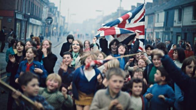 Belfast: Demonstration protestantischer Kinder gegen die britische Armee, Ende 1968.
